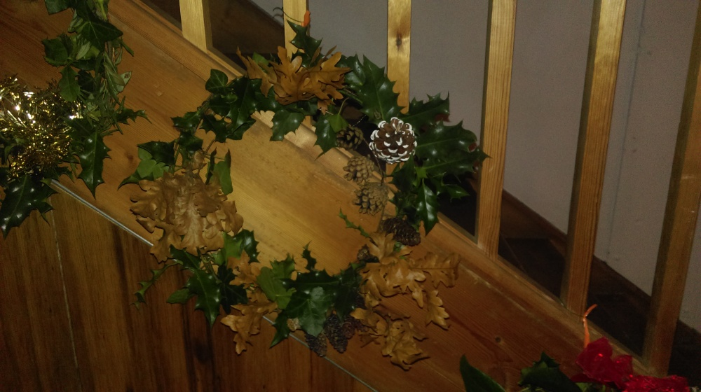 christmas-wreath-yule-holly-ivy-craft
