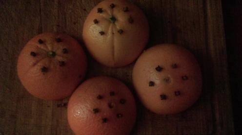 clove_studded_oranges
