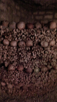 catacombs_of_paris5