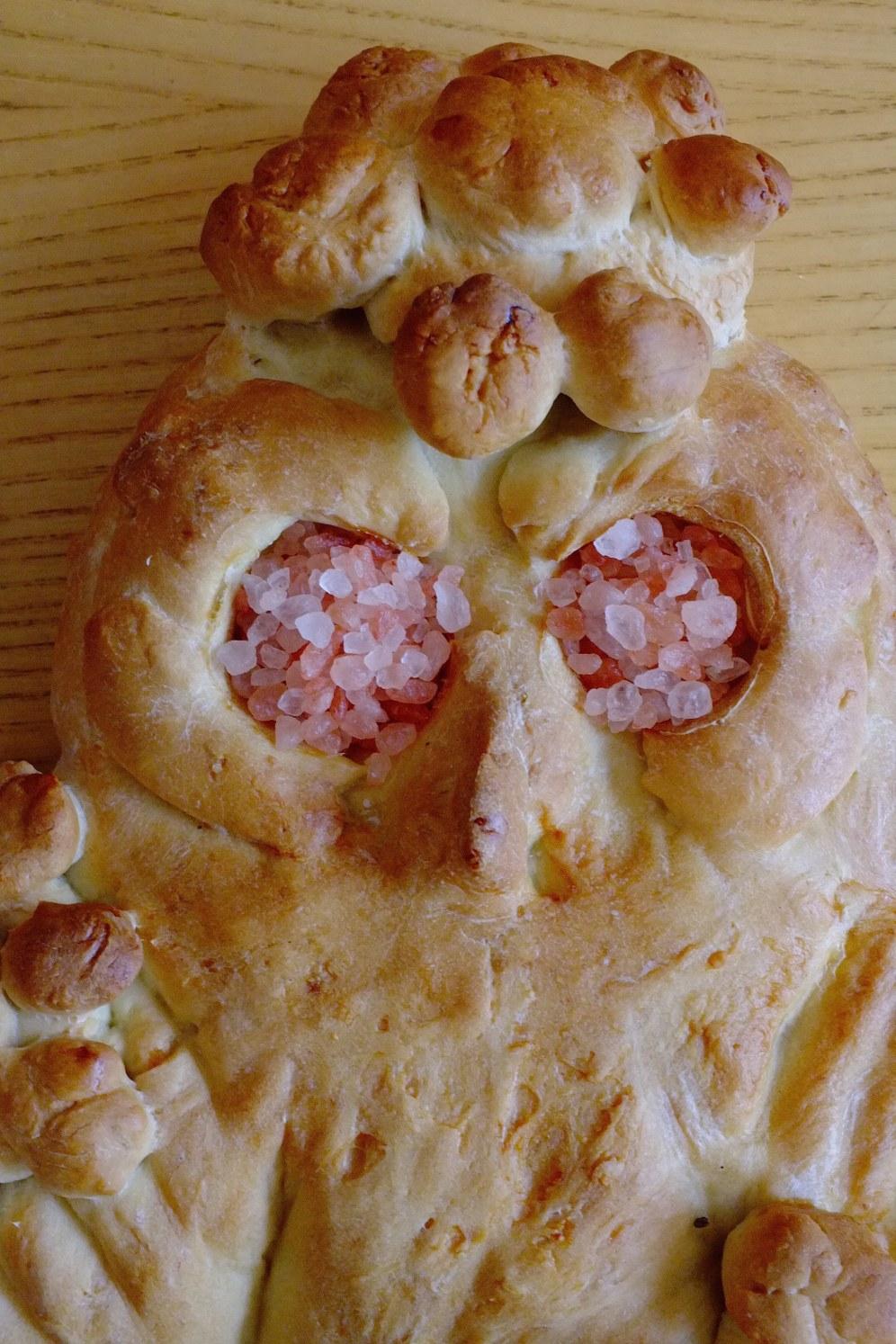 owl_lammas_loaf_detail_pink_salt