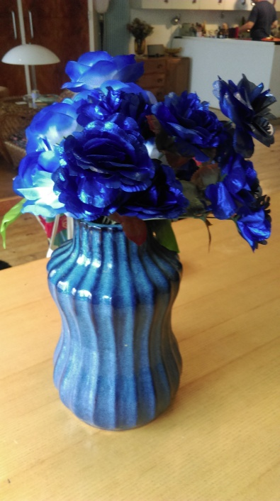 articial_silk_blue_roses