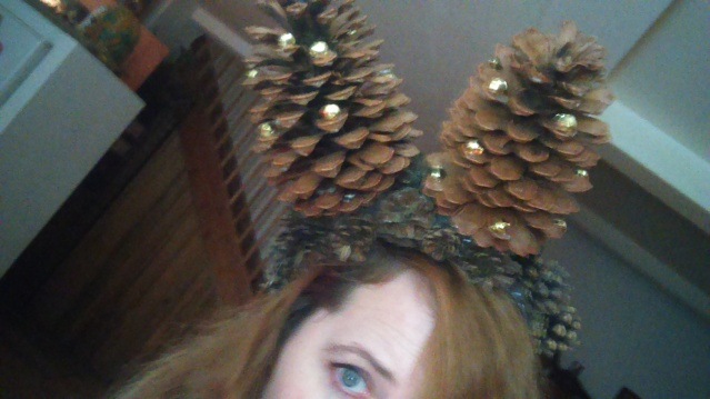 pinecone_xmas_headress