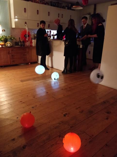 floor_balloons