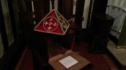 healing_hands_pyramid_siddington_church