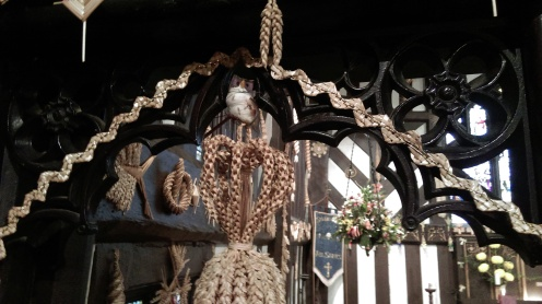 siddington_church_corn_dollies23