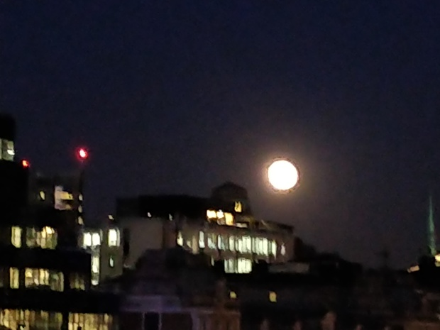 super_blood_blue_moon_over_thames