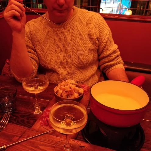 fondue_white_haus_farrendon
