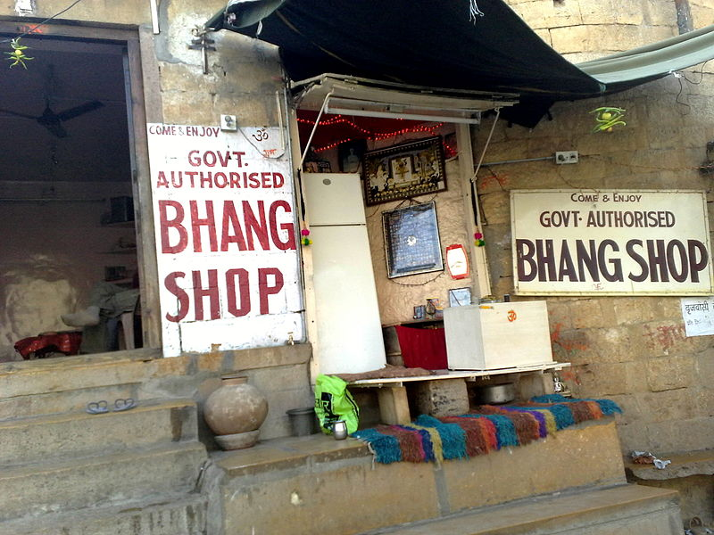 800px-Bhang_shop_in_Jaisalmer,_Rajasthan,_India